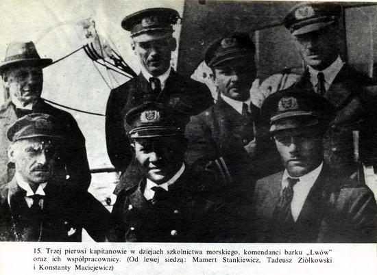 Pierwszi Kapitanowie